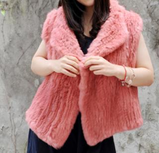 9515e89dfab Kožešinová vesta pletená z králíka - S až 7XL pravá kožešina - lososová